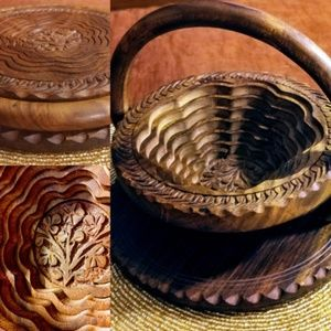 Beautiful Collapsible  Hand tooled Oak Basket